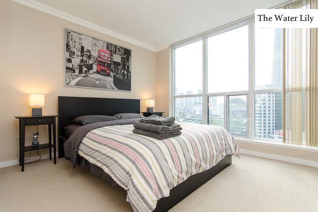 2 Bedroom Waterfront Retreat with Parking - Image 1 - Toronto - rentals