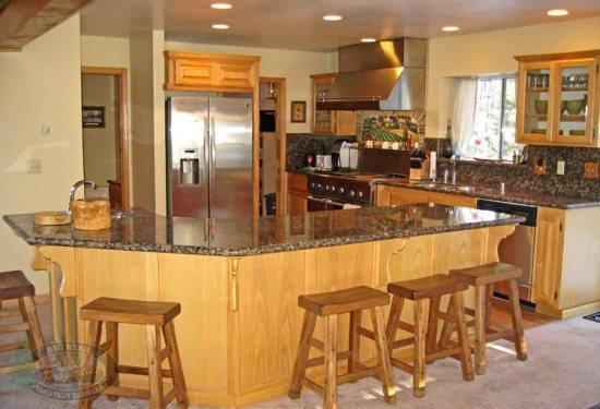 Escape to this spacious and fun filled vacation cabin in Big Bear near Bear Mountain Ski Resort. - Image 1 - Big Bear Lake - rentals