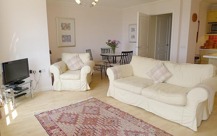 Five Star Holiday Cottage - 10 St Brides Bay, Broad Haven - Image 1 - Broad Haven - rentals