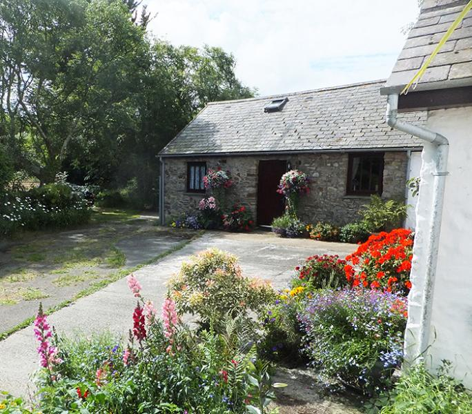 Pet Friendly Holiday Cottage - The Dovecote, Nr Broad Haven - Image 1 - Broad Haven - rentals