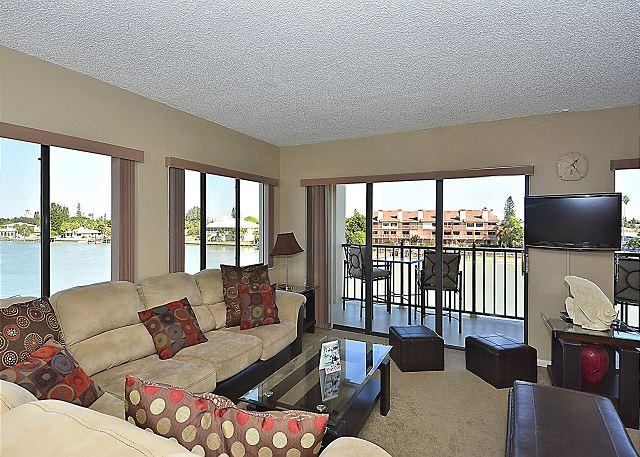 Living Room  - Land's End #301 Building 3-Bayfront - Treasure Island - rentals