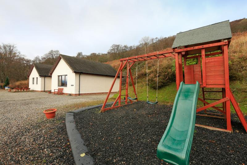 Colonsay Cottage with the hillside ancient woodland above - Colonsay Cottage, Springwell - Onich - rentals