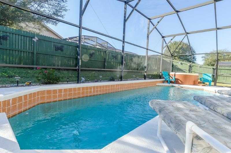 Secluded pool and Hot tub so peaceful - Secluded Pool, hot tub and backyard for privacy - Orlando - rentals