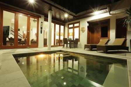 Private Plunge Pool Looking Into Back Of Villa - Bifold Doors Closed - KUTA- VILLA TAWA - Large Kuta Royal Villa - Bali - Kuta - rentals