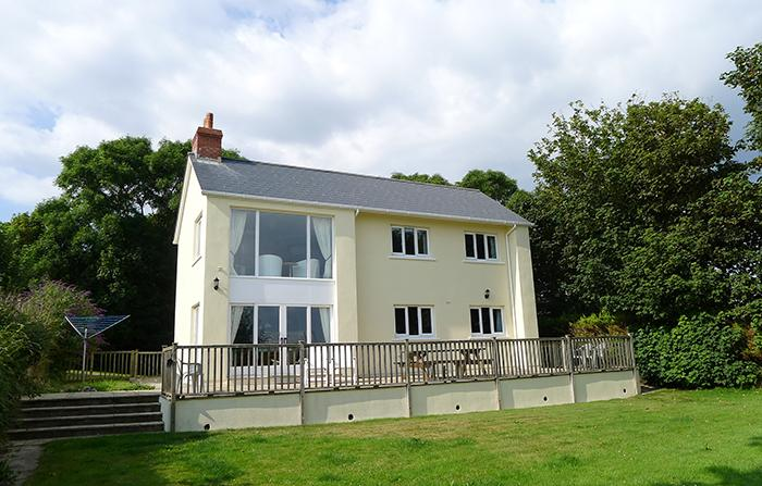 Pet Friendly Holiday Home - Skomer View, Roch, Nr Newgale - Image 1 - Newgale - rentals