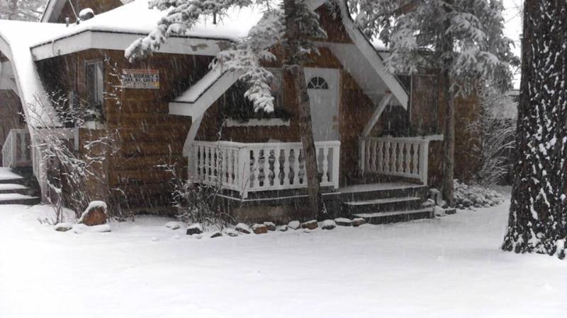 "Dec 2014 5"" inches of snow so far..... - Bear Belle Cabin - Walk to Lake, Skiing Close - Big Bear Lake - rentals"