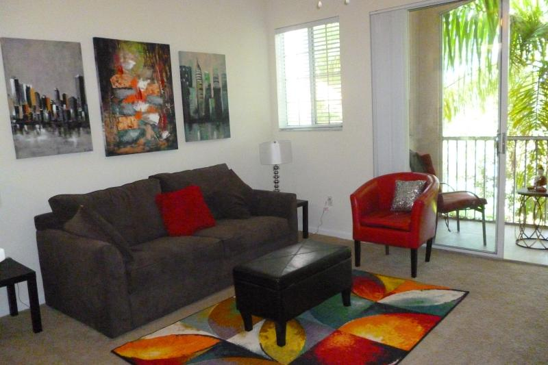 Living Room - Weston Villa - Ground Fl, Pool, Gym, Tennis - Weston - rentals
