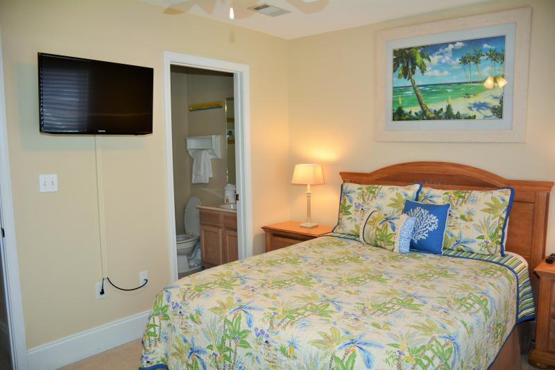 Guest bedroom - SPECIALS! Barrier Dunes, Pet friendly, WIFI, Pool. - Cape San Blas - rentals
