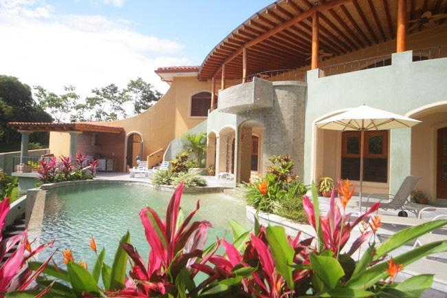 Ocean view, Pool & Jacuzzi WOW! Come meet the love - Image 1 - Manuel Antonio National Park - rentals