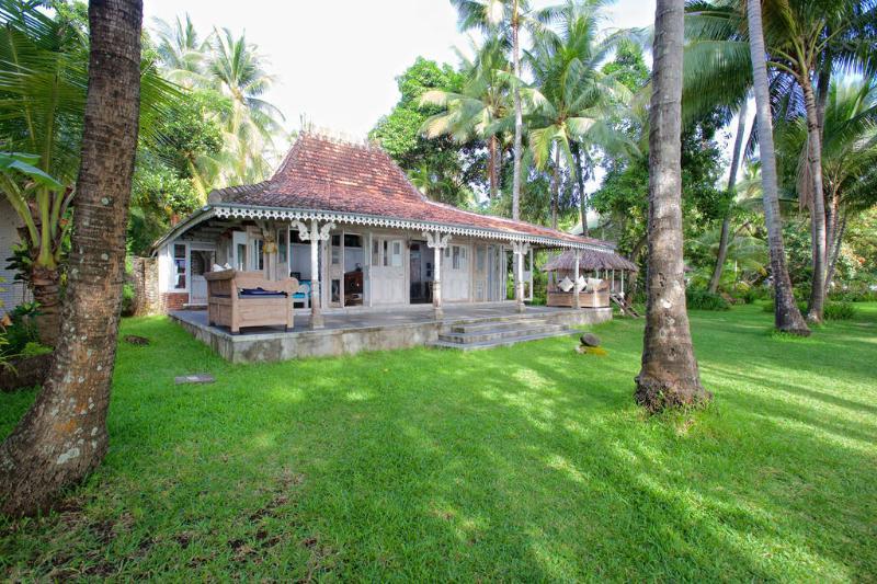 Jomaro Beach House - Image 1 - Bali - rentals