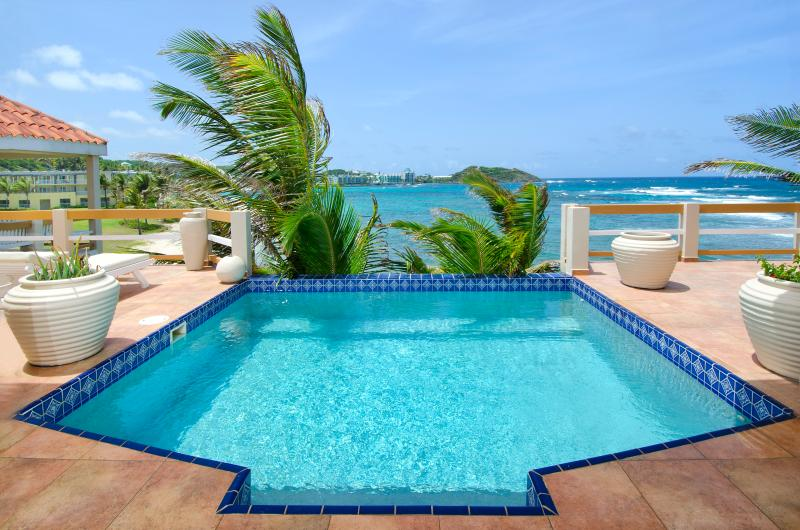 Bell'Mare...Dawn beach, St. Maarten 800 480 8555 - BELL'MARE...endless visions of blue await you at this affordable oceanfront villa - Dawn Beach - rentals