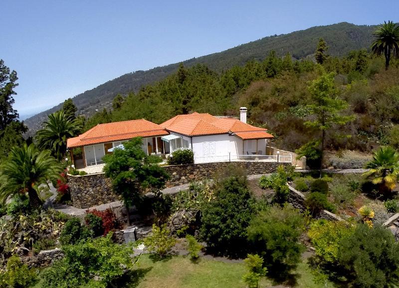 Helicopter view - Villa Landhaus Tijarafe - Canary Island La Palma, Spain - Tijarafe - rentals