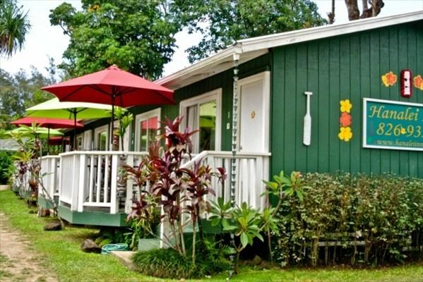 Hanalei Inn - Studio units with private lanai and full kitchen. Free Wi-Fi and parking. - Hanalei Inn Located in Hanalei town, walk to beach - Hanalei - rentals