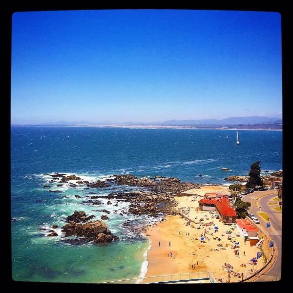 View from balcony... Los Lilenes beach. - BEACHFRONT APT. - CONCON VALPARAISO - Concon - rentals
