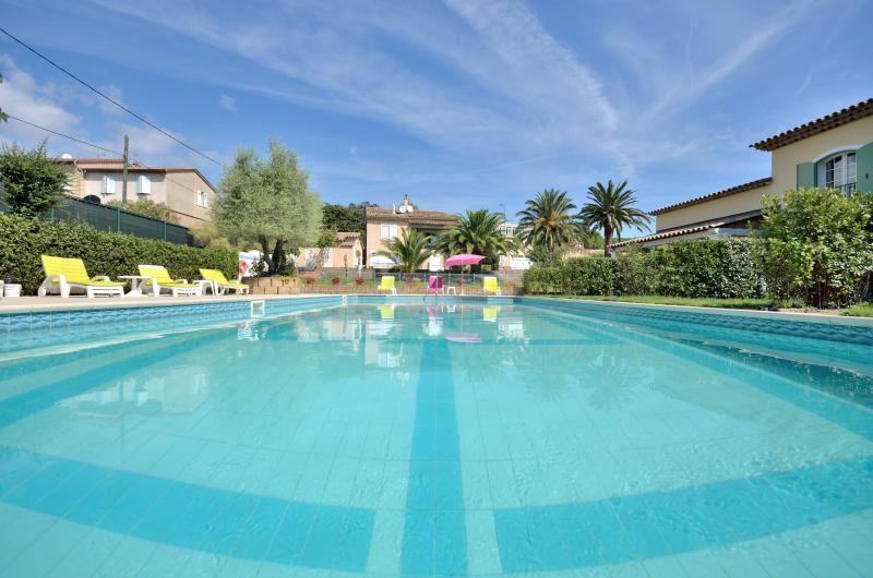 Saint Tropez 2 Bedroom Chic Villa de Charme with Pool - Image 1 - Saint-Tropez - rentals