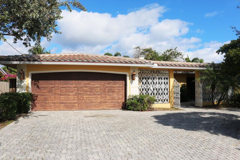 Castle Harbor - Image 1 - Fort Lauderdale - rentals