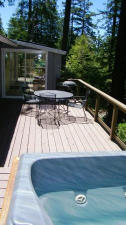 hot tub on the deck - Bay Star Cottage - Bay Star - Anchor Bay - rentals