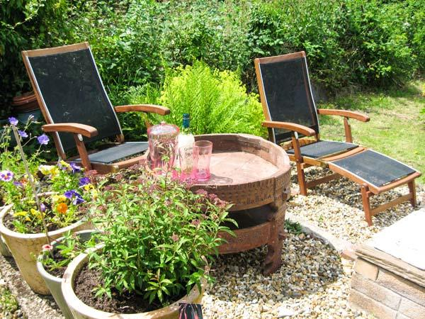 LOTHLORIEN COTTAGE, family friendly, country holiday cottage, with a garden in Cwmgors, Ref 2549 - Image 1 - Ammanford - rentals