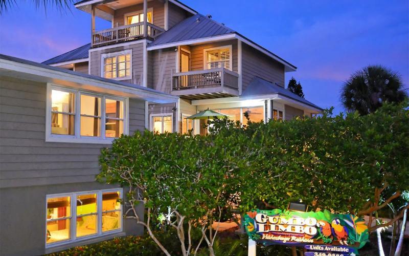 Honeymoon Suite - Image 1 - Siesta Key - rentals