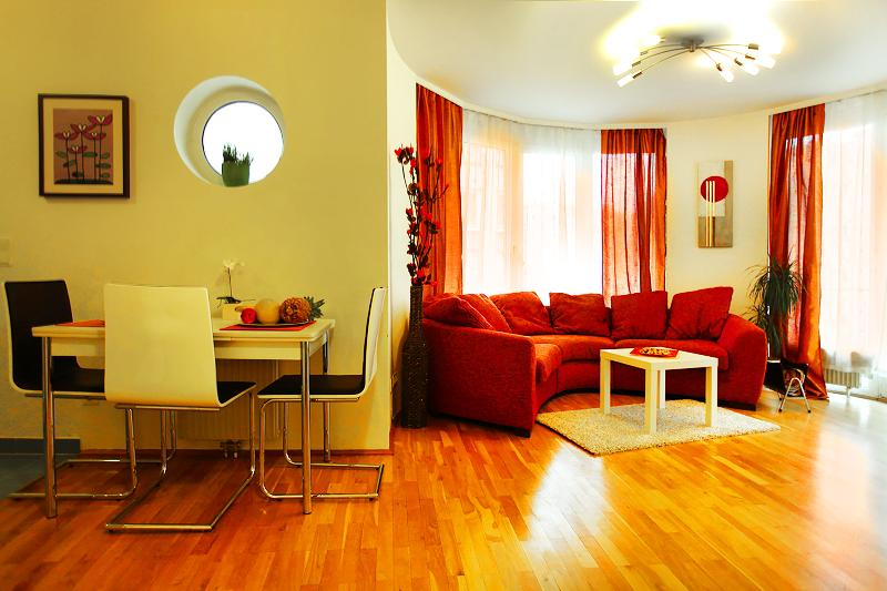 Sunny Apartment Oval Residence - April PROMO - Image 1 - Vienna - rentals