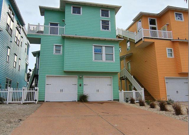 Welcome to Ocean Gem - Luxurious 4 Bedroom 3 1/2 Bath with Great Ocean Views.  Community Pool - Port Aransas - rentals