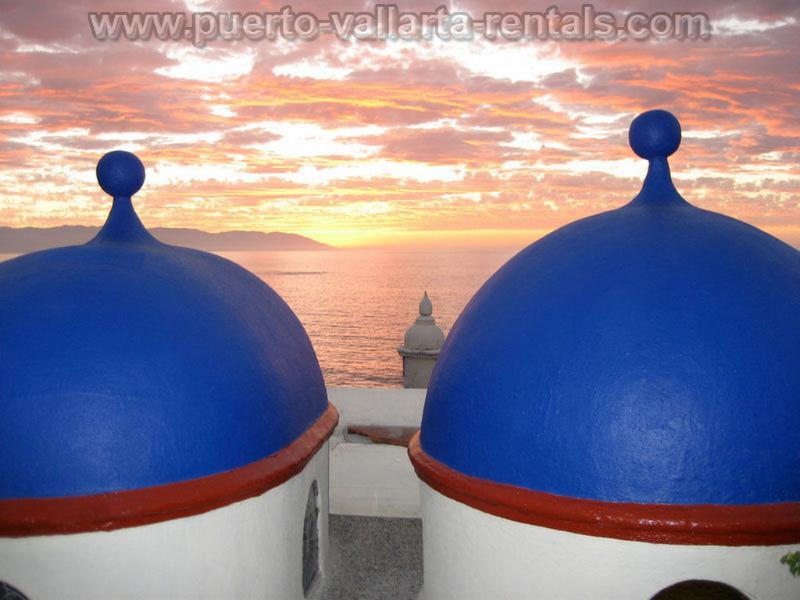 Plaza Mar 1br Penthouse on Los Muertos Beach - Image 1 - Puerto Vallarta - rentals