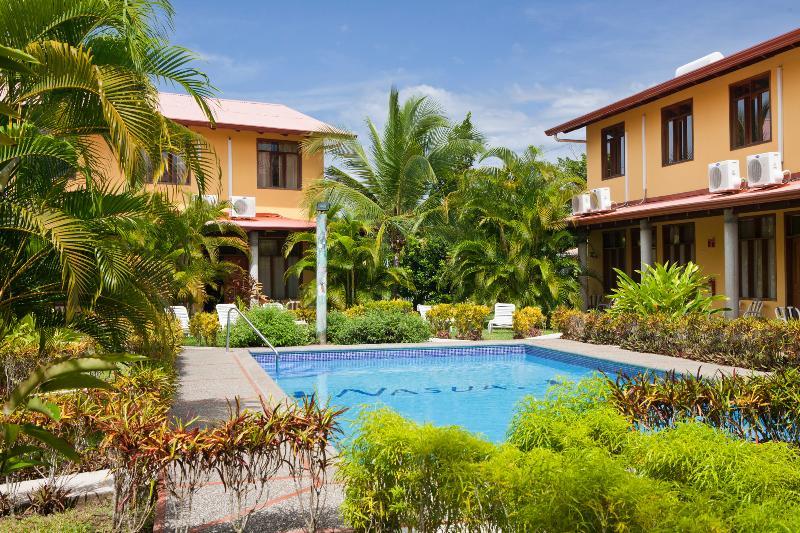 Villa Nasua garden overview - Villa Nasua condo--2-BR - Fully Equipped- Max. 4 - Jaco - rentals