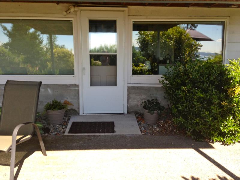 Your front door. - Large Studio with Water and Mountain View - - Seattle - rentals