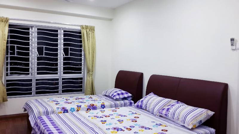 Master bedroom - New Condo 1 @ 1 min walk fr LRT & Free Wifi - Kuala Lumpur - rentals