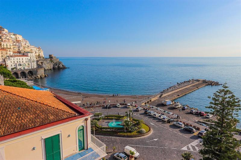 Apartment Dogi A in the hearth of Amalfi - Image 1 - Amalfi - rentals