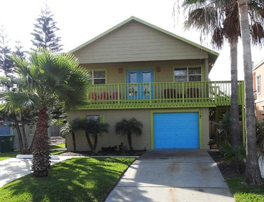 Costa Bella Atrium  Beach house ½ block to beach - Image 1 - South Padre Island - rentals
