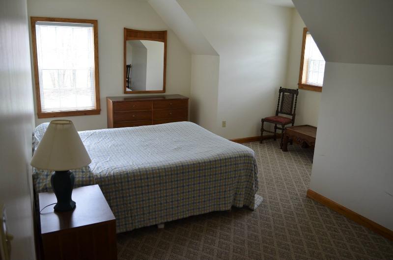 3 Bedroom Beach Unit - Image 1 - Lake George - rentals