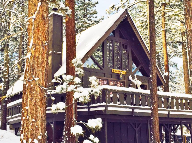 "Charming A Frame Swiss Chalet with large deck - Super Cozy A-FRAME ""Chalet Edelweiss"" + Netflix! - Big Bear Lake - rentals"