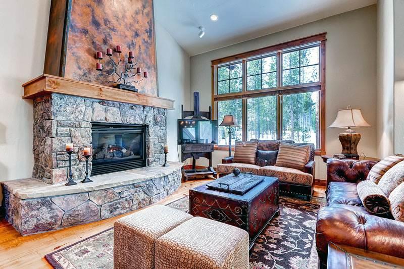Conveniently Located Breckenridge 4 Bedroom Walk to lift - CP19 - Image 1 - Breckenridge - rentals