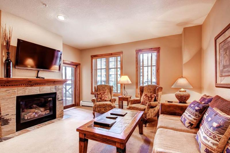 Invitingly Furnished Breckenridge 1 Bedroom Walk to lift - M1207 - Image 1 - Breckenridge - rentals
