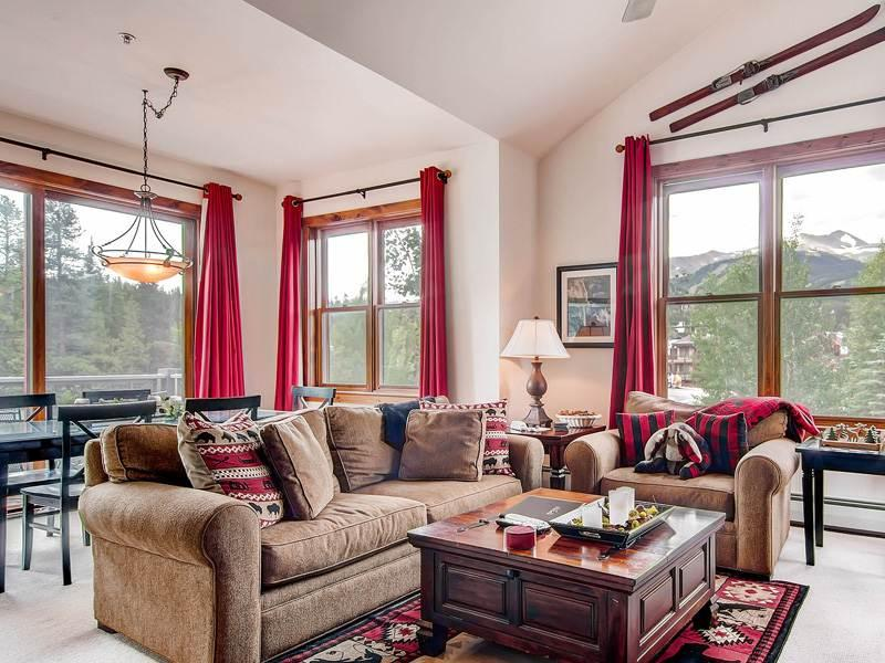 Economically Priced Breckenridge 3 Bedroom Free shuttle to lift - MJ3 - Image 1 - Breckenridge - rentals