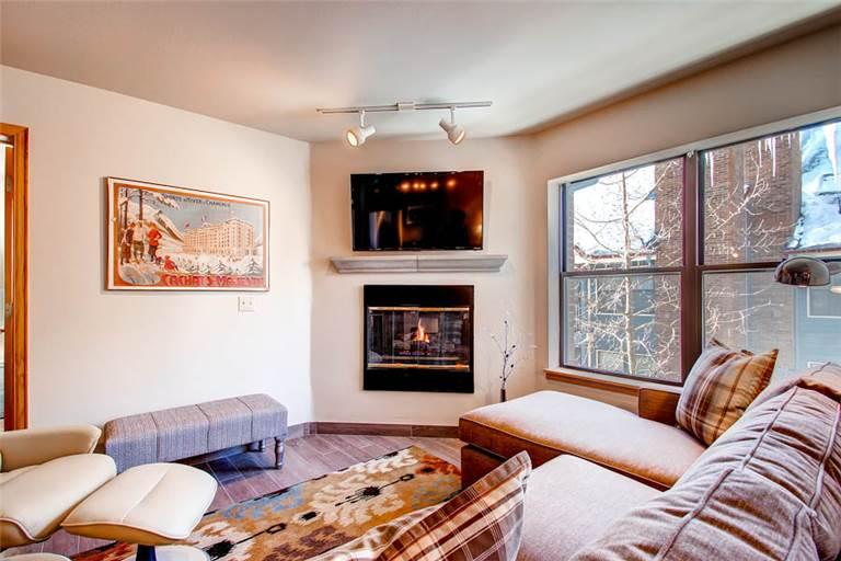 Perfectly Located Breckenridge 2 Bedroom Ski-in - RE309 - Image 1 - Breckenridge - rentals