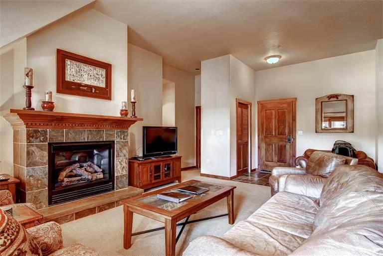 Affordable Breckenridge 3 Bedroom Walk to lift - M3402 - Image 1 - Breckenridge - rentals