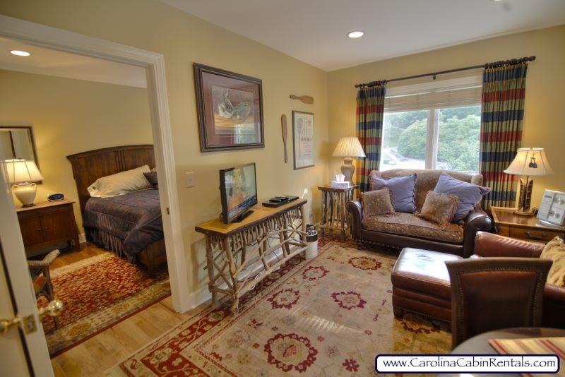 1BR Viewside Condo at the Yonahlossee Inn, Elegantly Decorated, Convenient Location Near Blowing Rock - Image 1 - Boone - rentals