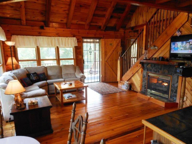 Sleeps 8, Rustic Log Cabin, Convenient Location, Trout Fishing, Beautiful Woodwork, Loft, Game Room, Grill, Flat Screen TV - Image 1 - Boone - rentals