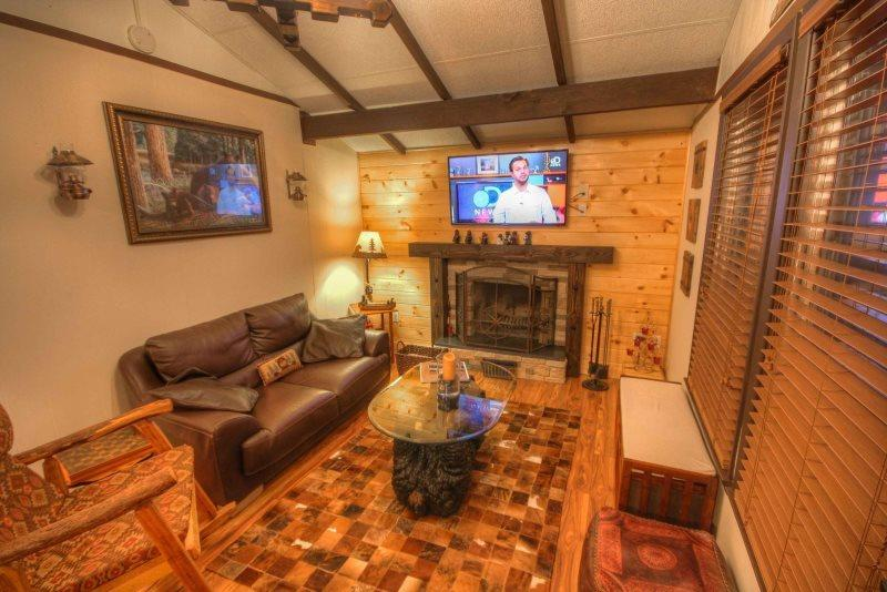 Sleeps 5, Minutes to Skiing, Hiking, Mountain Biking, Boating, Wood-Burning - Image 1 - Beech Mountain - rentals