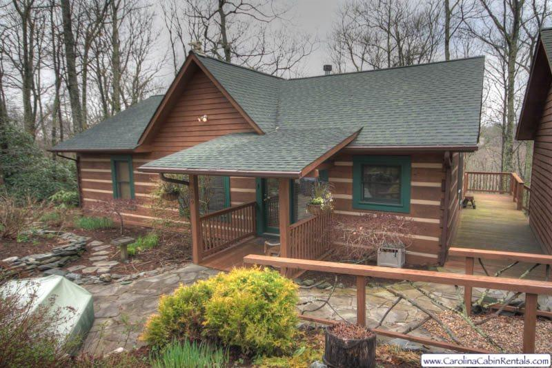 3BR Log Cabin, Hot Tub, Nestled in Private Setting Beside the Blue Ridge Parkway, Winter Grandfather Mountain View, Fireplace, Fire Pit for Gatherings, Wireless Internet, Minutes from Downtown Blowing Rock and Boone, 2-car Garage - Image 1 - Boone - rentals