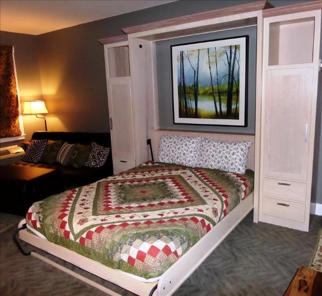 Bella Paradiso Condo 14 - Queen Studio with Kitchenette - Walk to Downtown - Image 1 - Eureka Springs - rentals