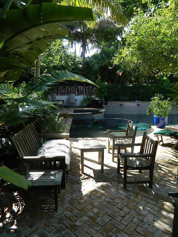 Cottage Al Fresco - Image 1 - Miami Beach - rentals