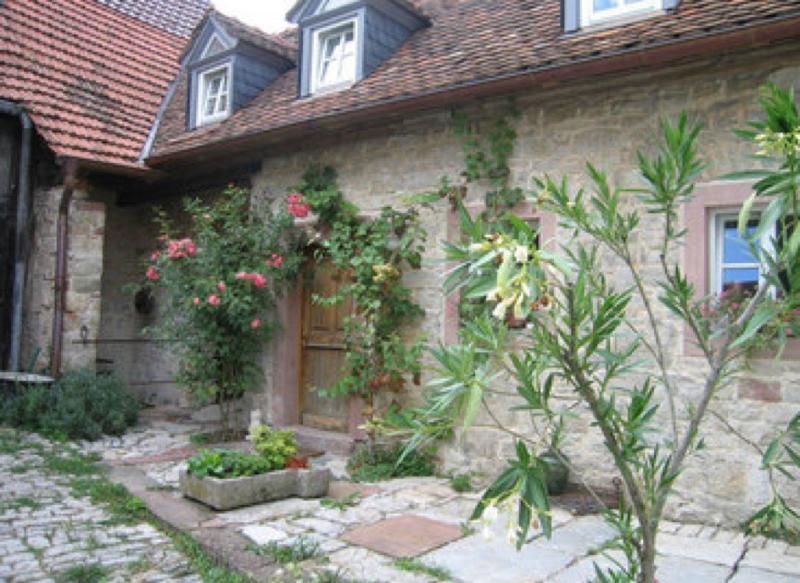 Vacation House in Margetshöchheim - 646 sqft, quiet, comfortable (# 5552) #5552 - Vacation House in Margetshöchheim - 646 sqft, quiet, comfortable (# 5552) - Margetshoechheim - rentals