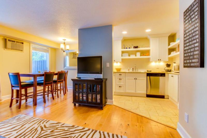 Dog-friendly home w/ free SHARC passes included + new deck w/ a great gas grill! - Image 1 - Sunriver - rentals