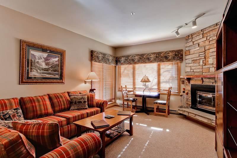 Roomy Steamboat Springs 4 Bedroom Condo/Villa - Snow Flower 111 - Image 1 - World - rentals