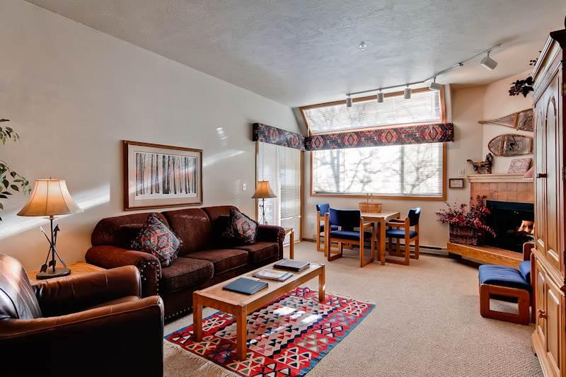 Expansive Steamboat Springs 4 Bedroom Condo/Villa - Snow Flower 311 - Image 1 - World - rentals