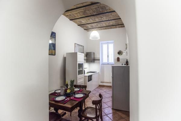 CR1103Rome - Casa Frangipane - Image 1 - Rome - rentals