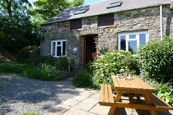 Pet Friendly Holiday Cottage - Honey Hook Cottage, Nolton - Image 1 - Pembrokeshire - rentals